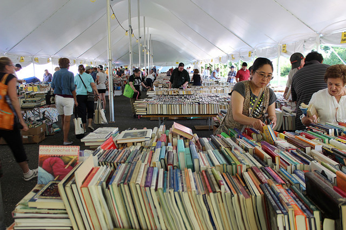pequot_library_book_sale_2014_under_the_tents