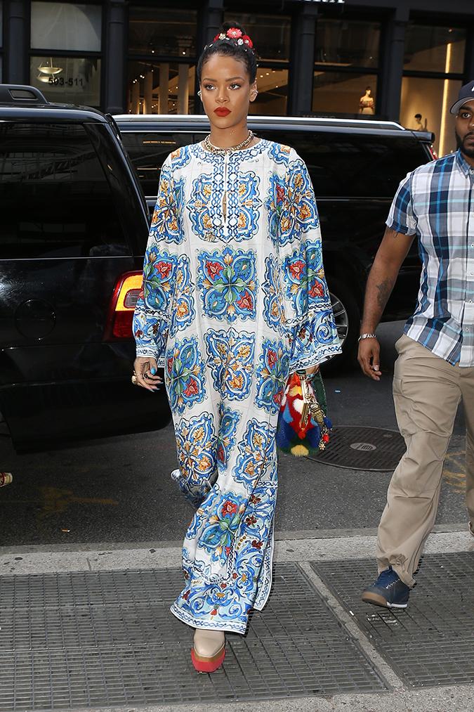 Rihanna-Embed