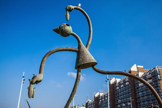 hague sculpture