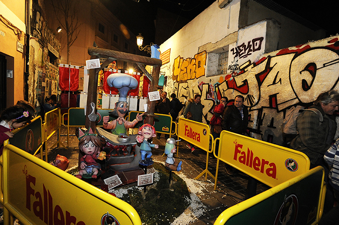20170319©DAYFallasFestival3736.jpg Thousands of performers and spectators celebrate on St. Joseph's Day in Valencia Spian on the last day of Fallas. Falla