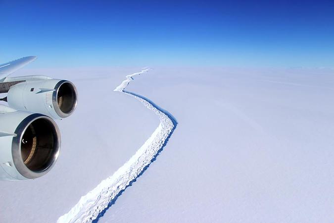larcen c ice shelf rift