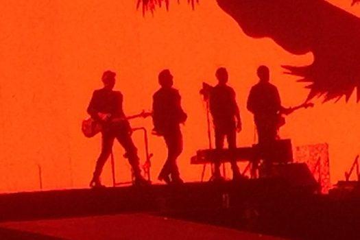 u2 feature photo amsterdam concert