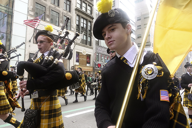 20180317©DayStPatsPrd9225.jpg he 257th edition of New York City's St. Patrick's Day parade march up Fifth Ave. under sunny skies and cool tempertures in the 40s with over 100 marching units of Bagpipes; high school marching bands; and police and fire departments.