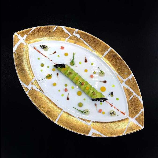 L'ATELIER - LE CRABE DES NEIGES - King crab, avocado cannelloni and citrus (1).JPG