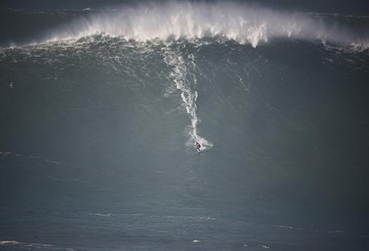 shutterstock huge wave nazare