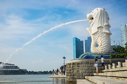 merlion singapore shutterstock