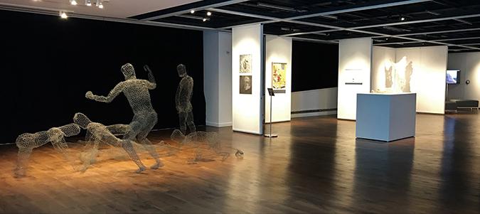 008_installation+view,+The+Un-Heroic+Act,+Shiva+Gallery+JJC.+Photo+Monika+Fabijanska