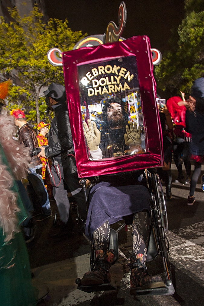 20181031©DAYHalloween9373.jpg The 45st Halloween Parade rolls up 6th Avenue as the giant skelton puppet leading the way under clear skies and 63º temperture..