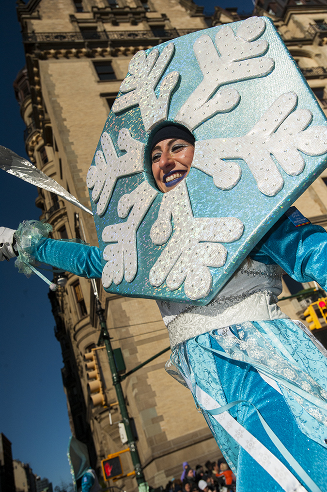 20181122©DayMacyPrde3359.jpg The 92st Macy's Thanksgiving Day Parade kicked off under sunny skies and cool temperatures as hundreds of thousands line the parade route to celebrate the clowns, floats, and balloons fly by, starting the holiday season in New York City.