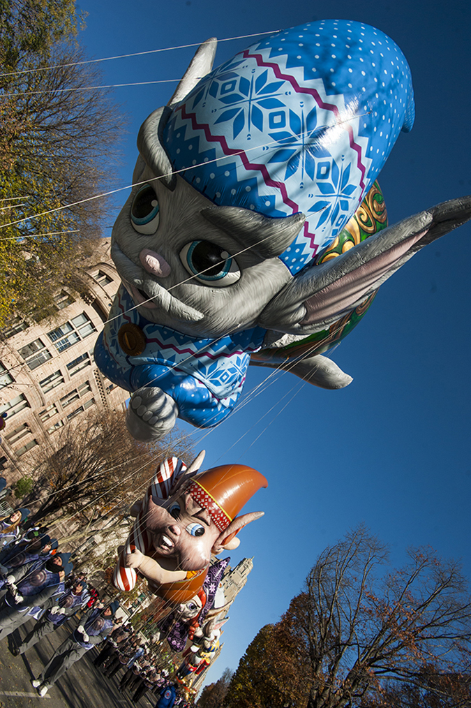 20181122©DayMacyPrde3416.jpg The 92st Macy's Thanksgiving Day Parade kicked off under sunny skies and cool temperatures as hundreds of thousands line the parade route to celebrate the clowns, floats, and balloons fly by, starting the holiday season in New York City.
