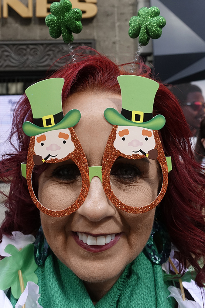 20190316©DayStPatsPrd5388.jpg The 258th ST Patrick's parade kicked off on a crisp mostly cloudy Saturday morning. Hundreds of thousands watched 150,000 participants march up Fifth Ave as the bands played and bagpiper sang the usual Irish fare.