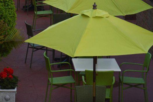 claude's - southampton inn - hamptons restaurants - feature