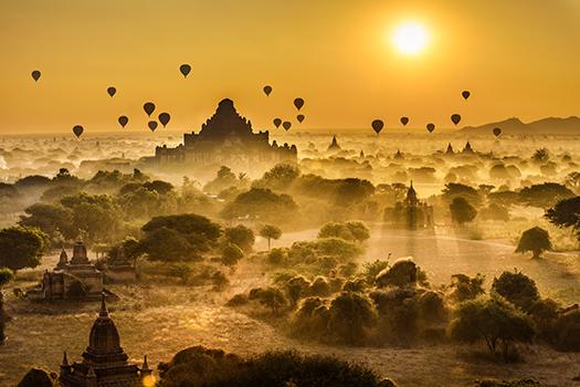 balloons over bagan - nick fox - shutterstock