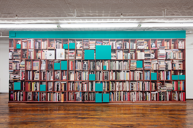Bookshelves (A Portrait From Afar), 2019, by Claude Rutault. Installation Photograph by Guillaume Ziccarelli. Courtesy Off Paradise